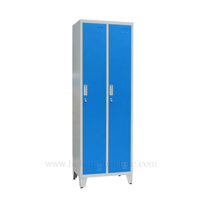 Металлический двухсекционный шкаф для одежды