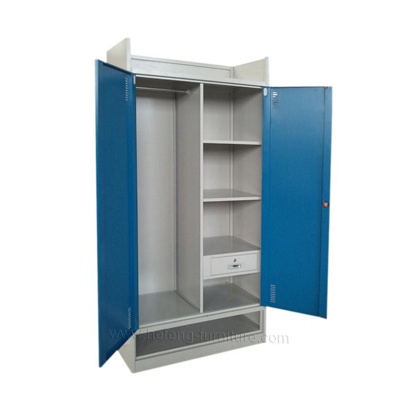 Металлический шкаф для хранения
