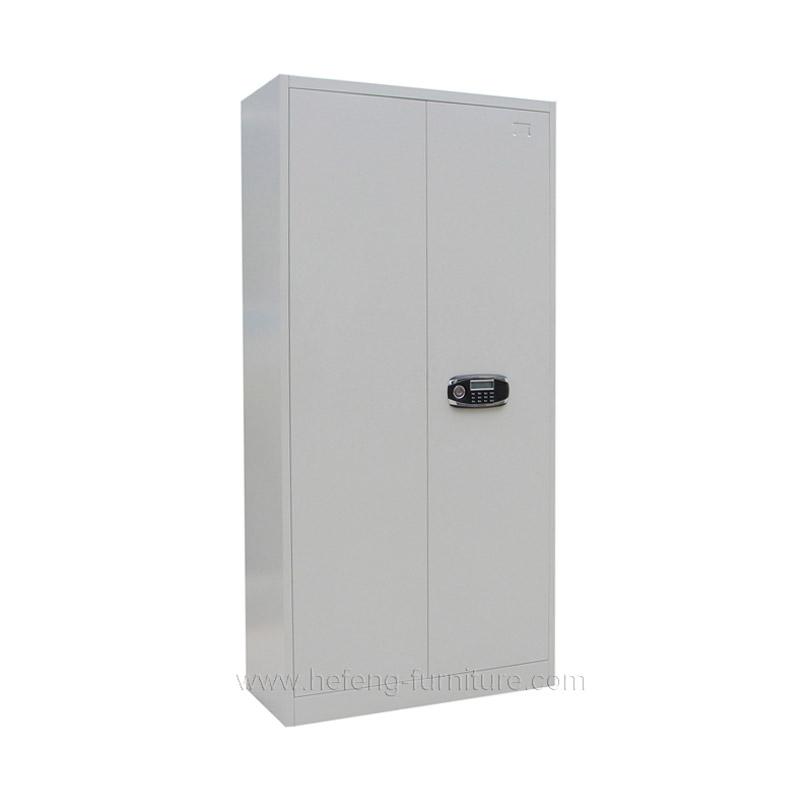 Металлический сейф для офиса
